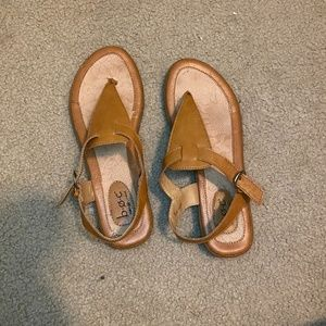 b.o.c. light brown leather sandals